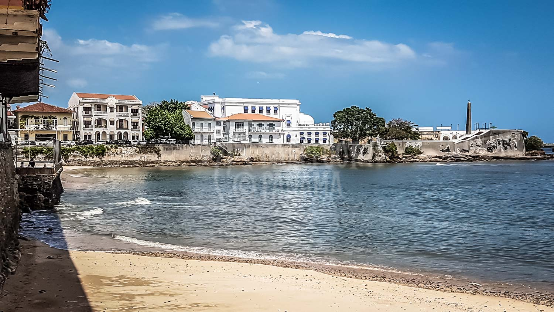 beach-at-casco-viejo