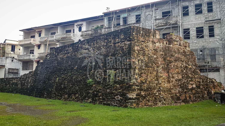 casco-antiguo-old-wall