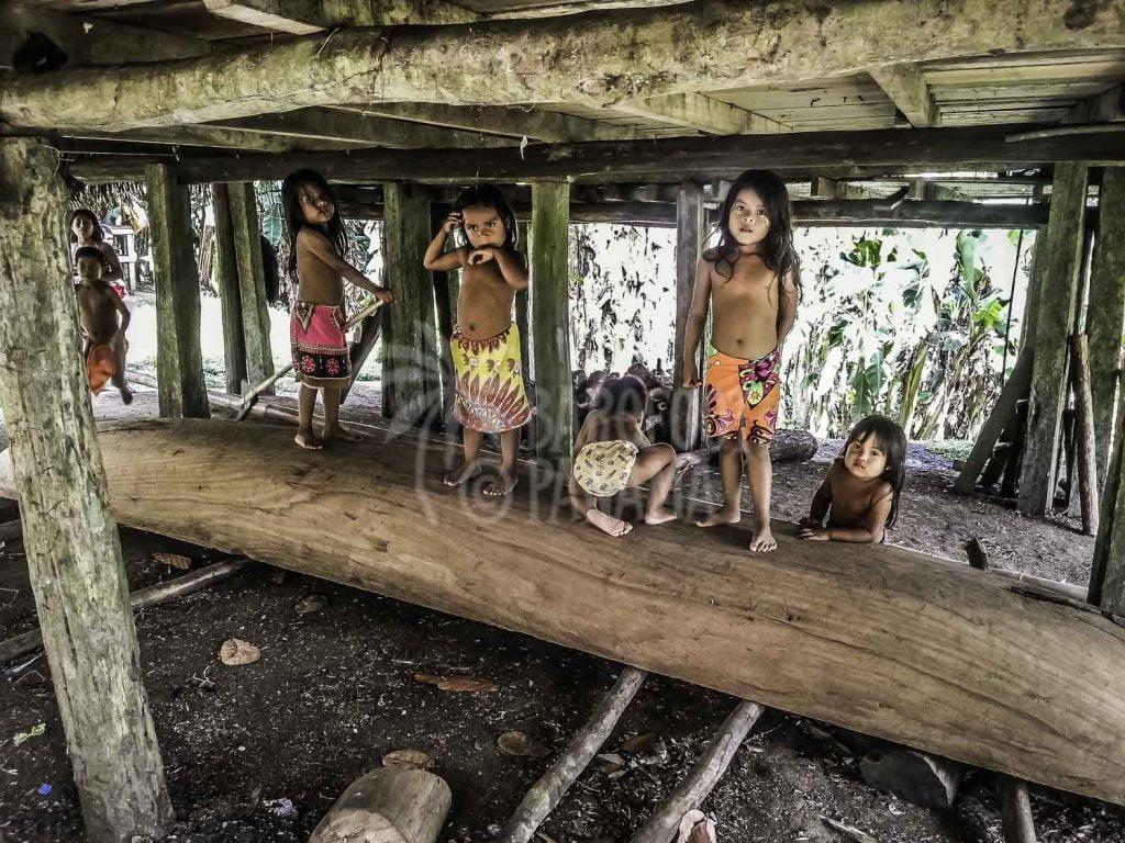 embera-village-children