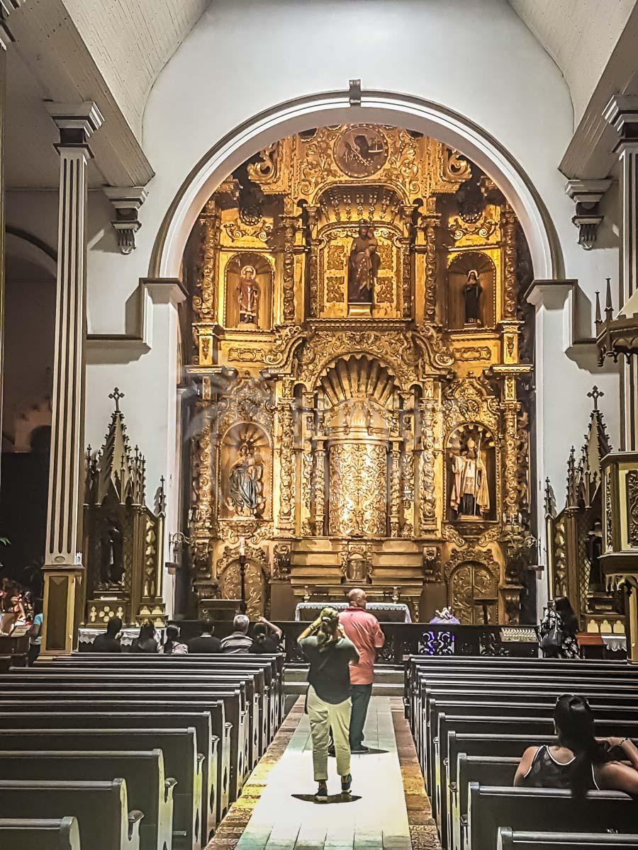 golden-altar-san-jose-church