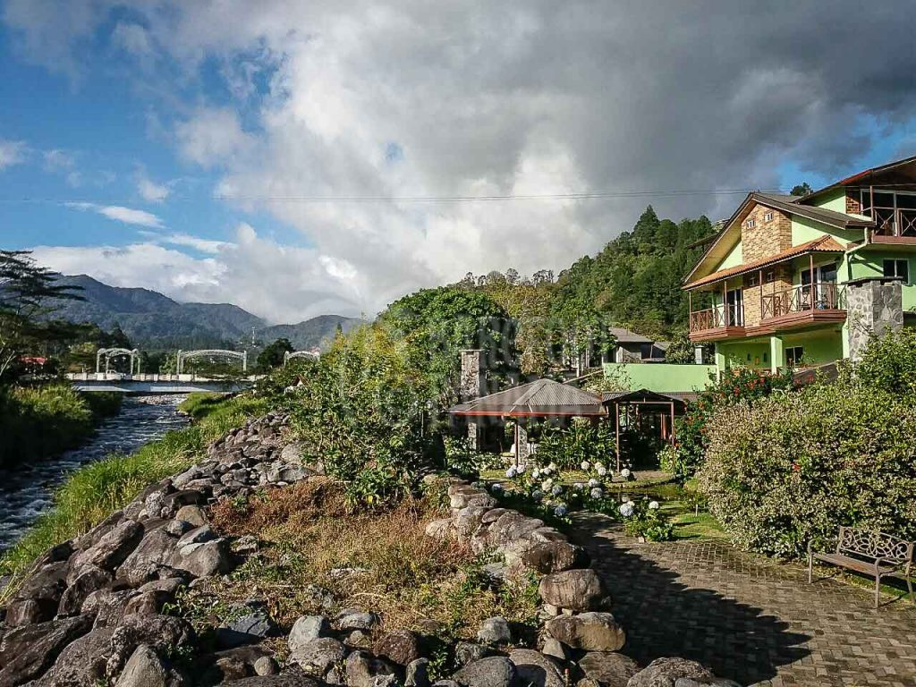 house-by-river-at-boquete