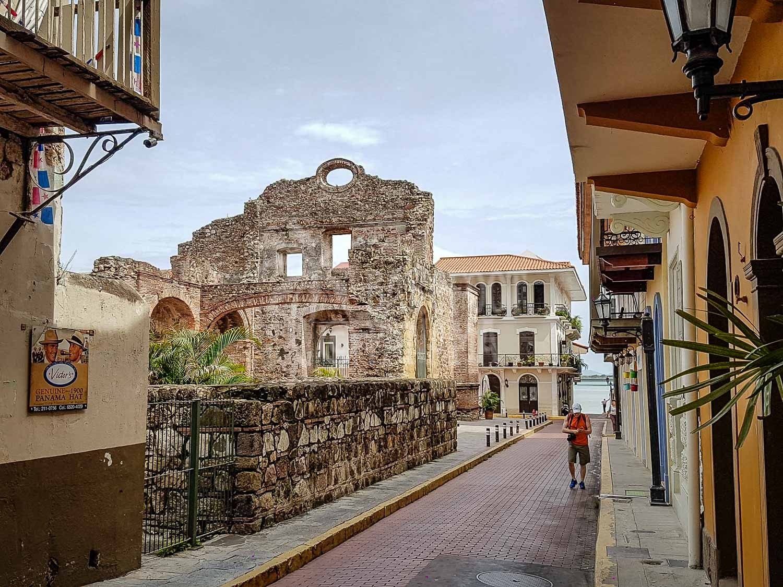 panama-ruins-at-casco-viejo