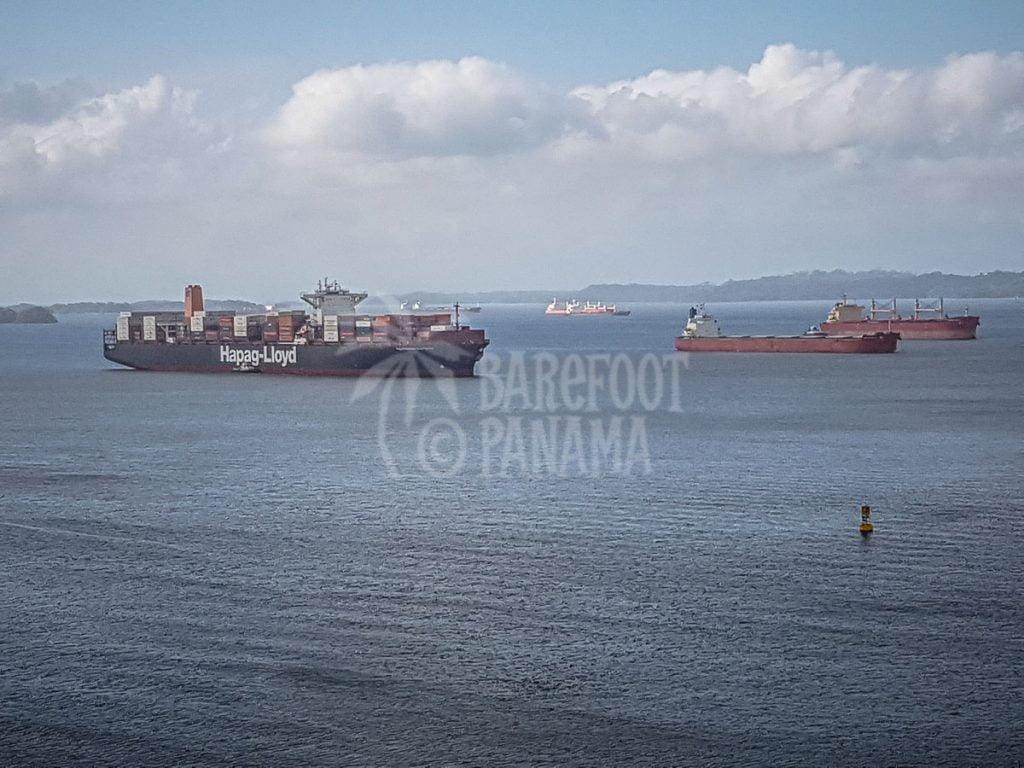 ships-waiting-to-transit