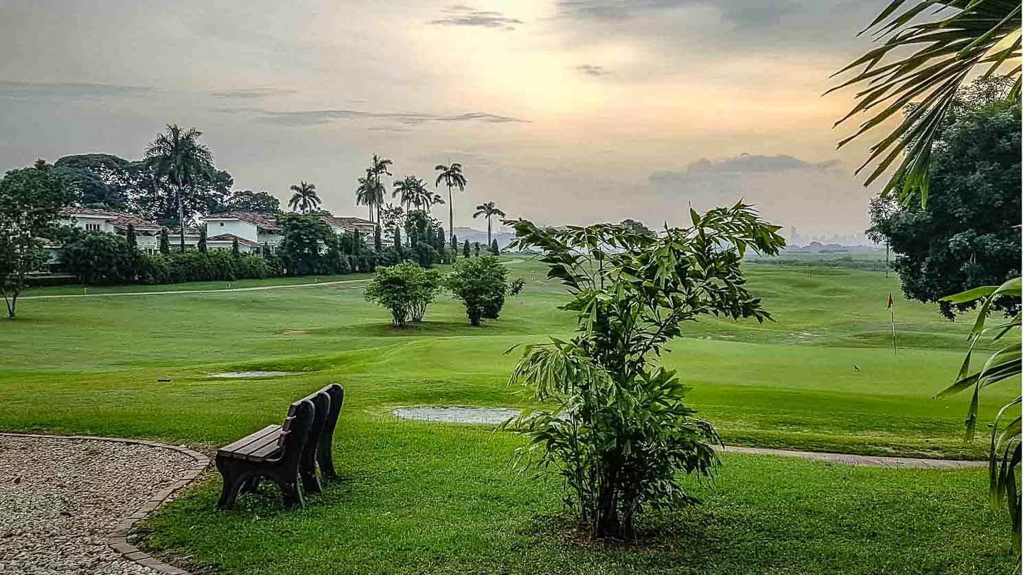 Guided golf vacations in Panama