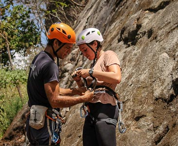 rock climbing and rappelling tour in panama